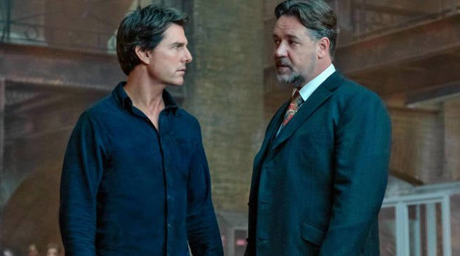 The Mummy Image: Tom Cruise and Russell Crowe Finally Meet Onscreen