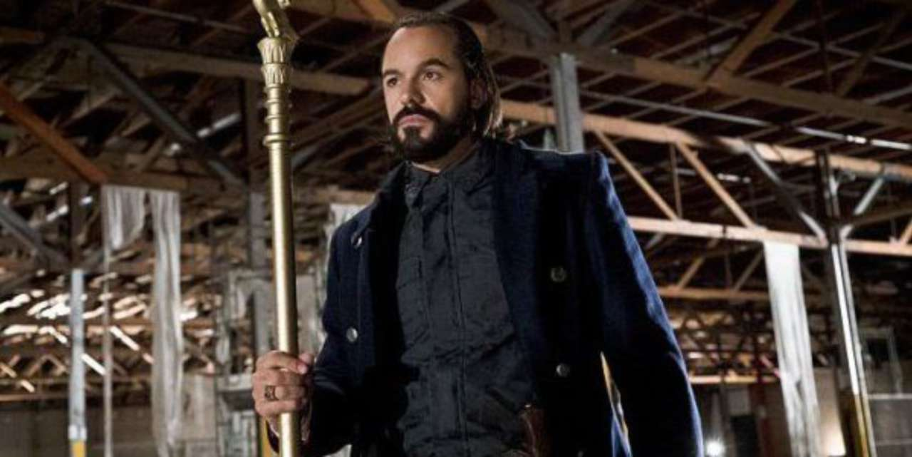 Could Legends of Tomorrow Bring Vandal Savage Back From the Dead?