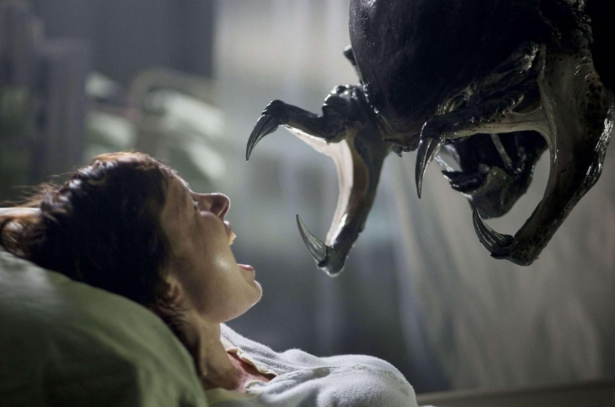 alien vs predator requiem hybrid creature