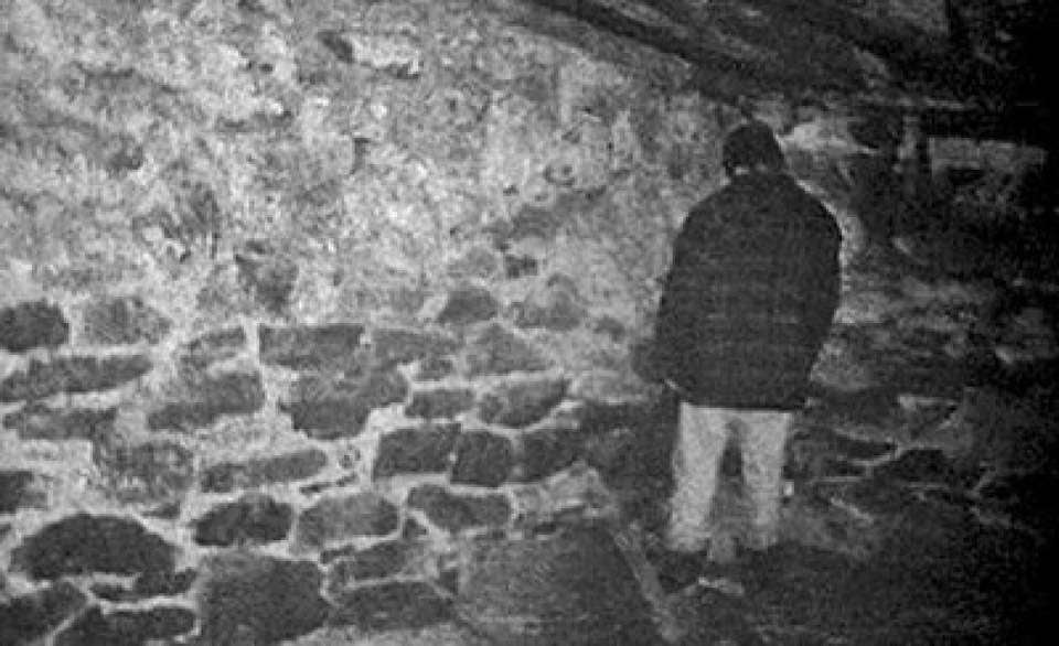 blair witch project mike williams facing corner standing