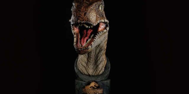 Jurassic-Park-raptor-bust