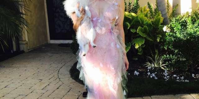 kaley cuoco big bang theory penny pink dress