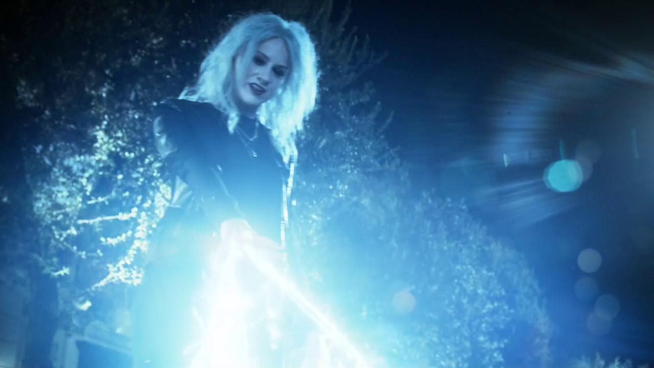 livewire-britt-morgan-supergirl