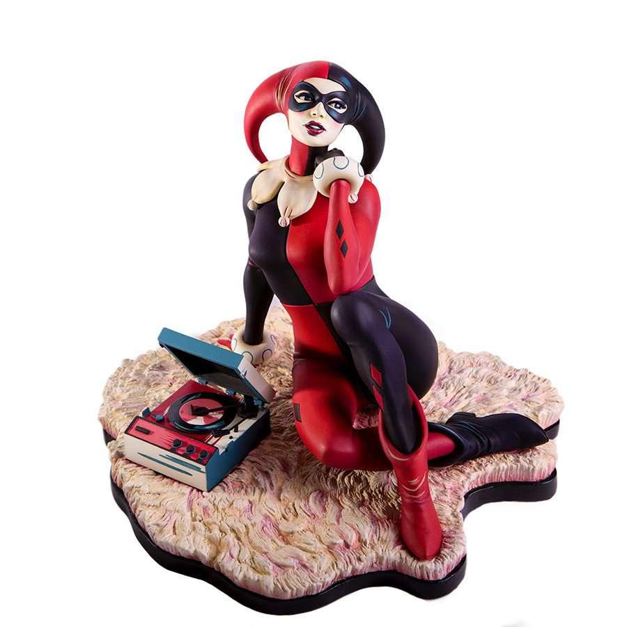 Mondo-Harley-Quinn-Statue-1