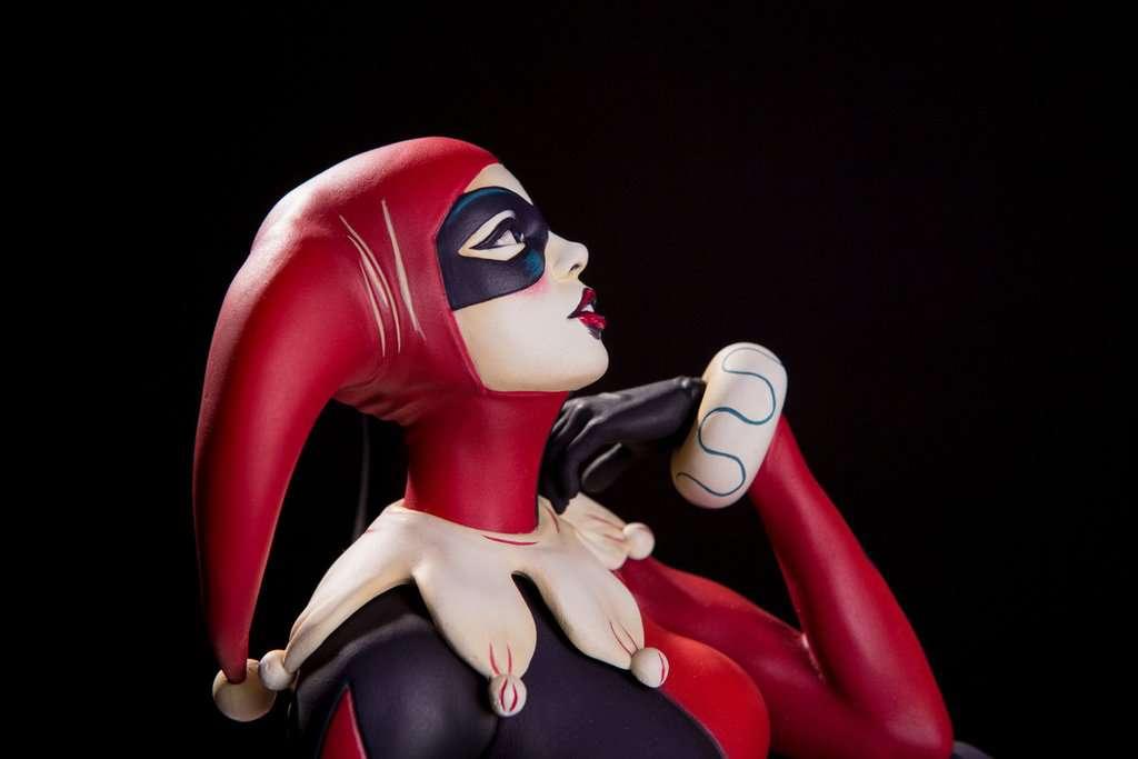 Mondo-Harley-Quinn-Statue-18