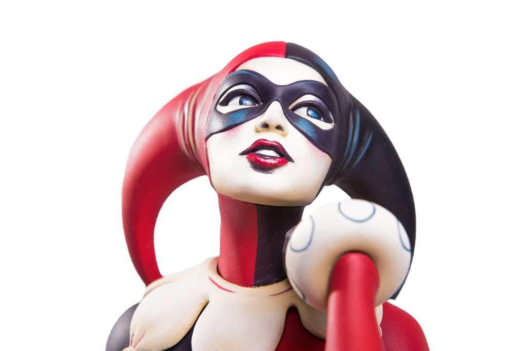 Mondo-Harley-Quinn-Statue-21