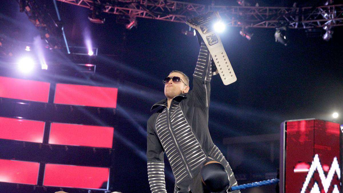Smackdown-Live-Dean-Ambrose-The-Miz-2