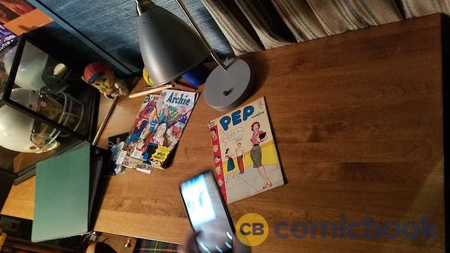 Riverdale-Archies-Room-005