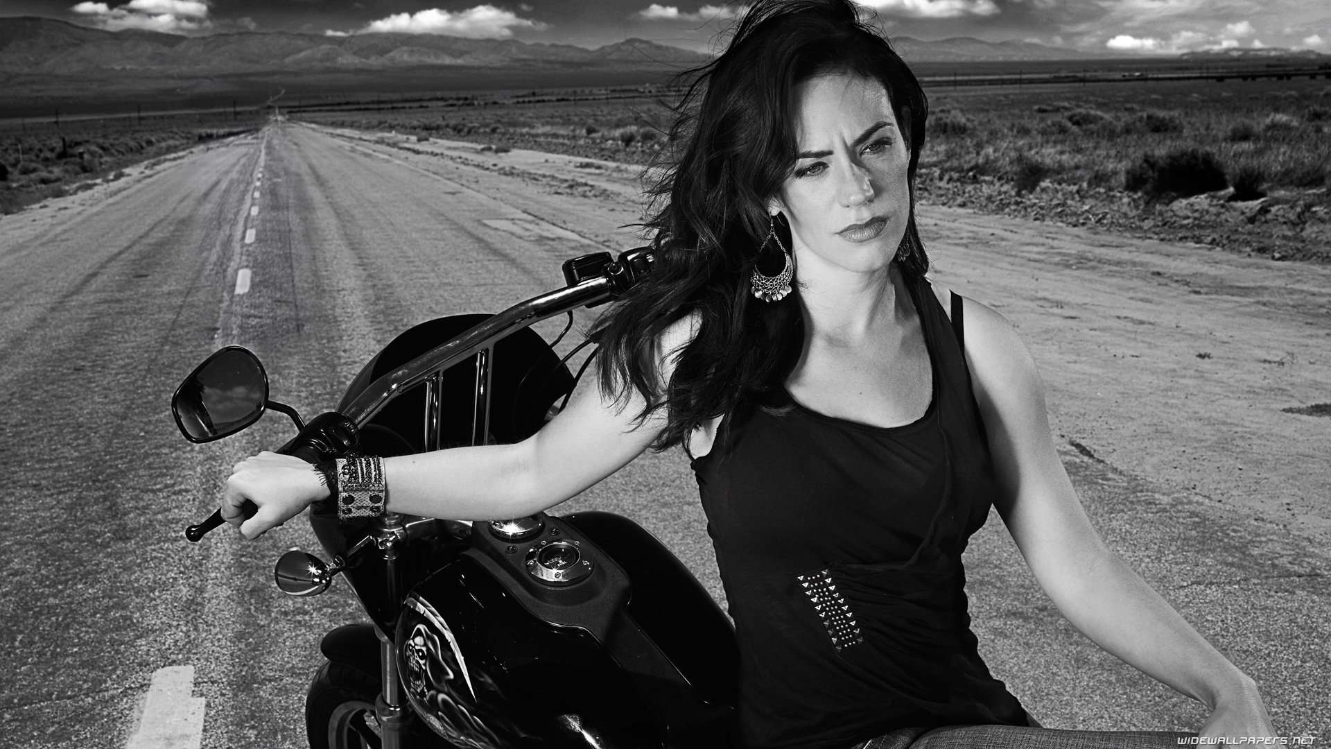 tara-knowles-sons-of-anarchy-maggie-siff