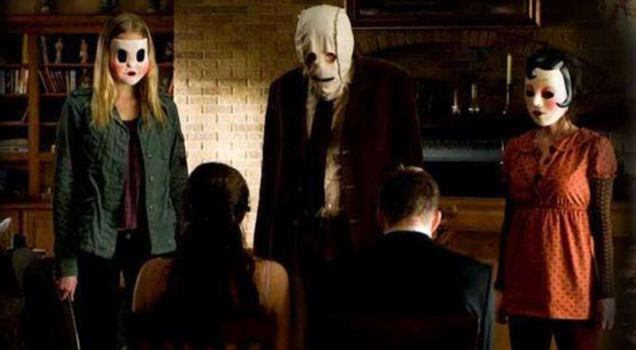 collector's edition 'the strangers' blu-ray special features details