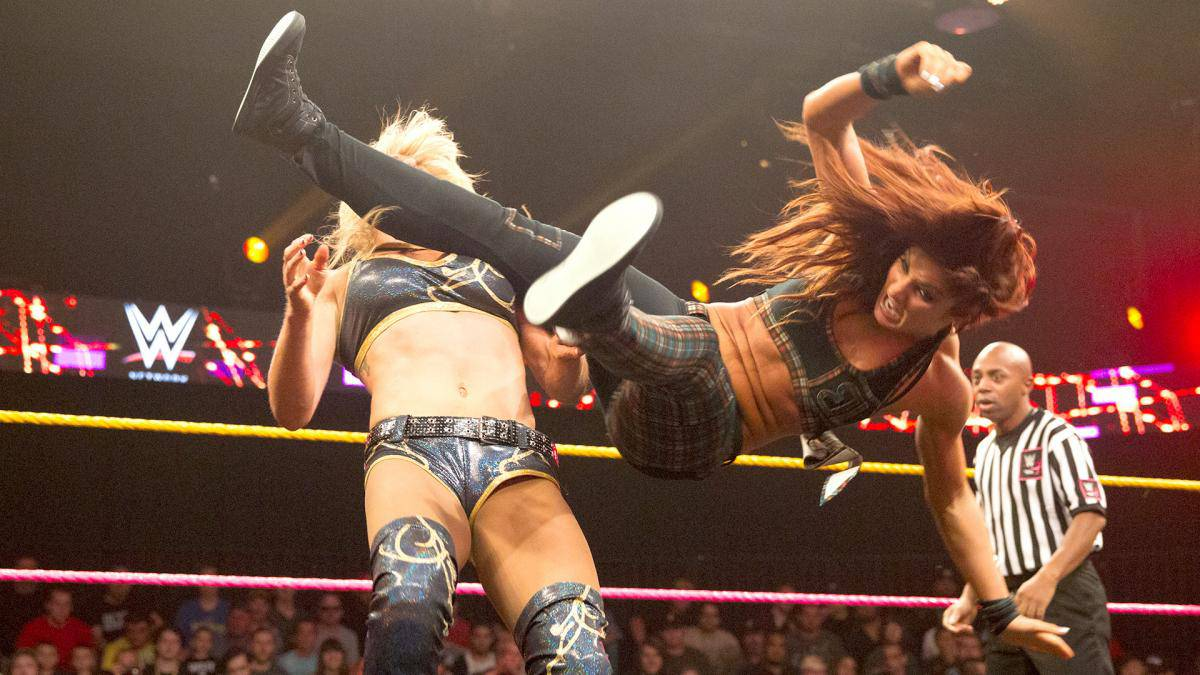 Becky-Lynch-NXT-Plaid-Outfit