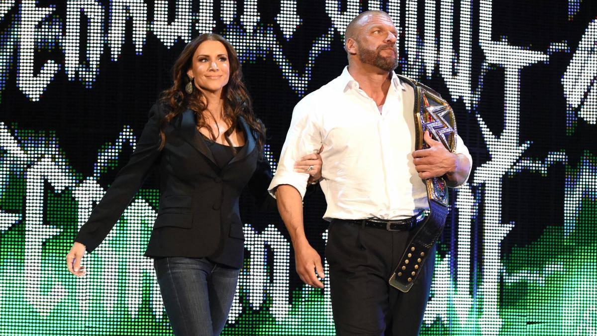 Triple-H-RAW-Champ-White-Shirt 03282016
