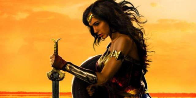 Wallpaper Gal Gadot Wonder Woman Hd Movies 7553: Gal Gadot Reveals New Wonder Woman Poster