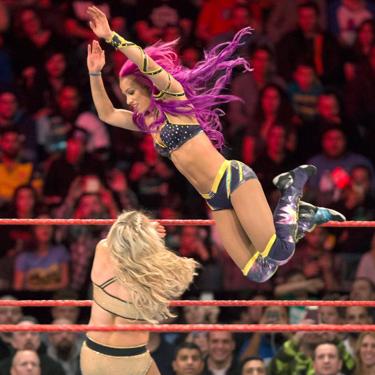 WWE-Sasha-Banks-RAW-Black-Yellow