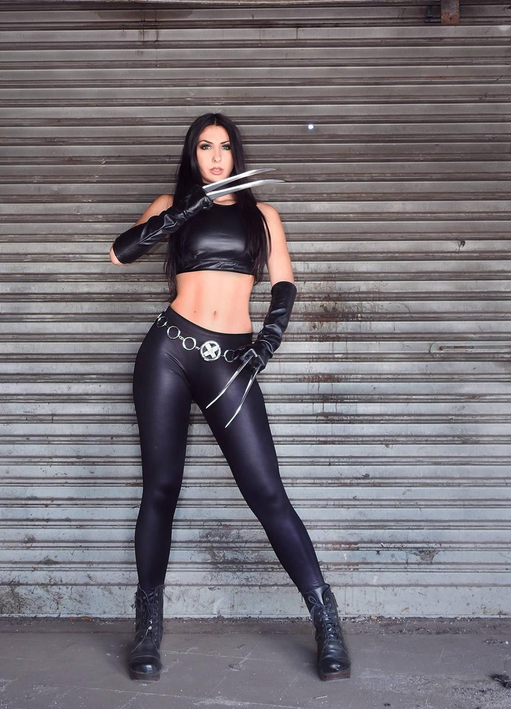 X-23-Fan-Cosplay-Friday-Luna-Gabriela-Sillas-Belmont01