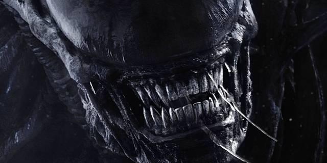 Crazy 'Alien' Facepaint Turns Humans Into Xenomorphs
