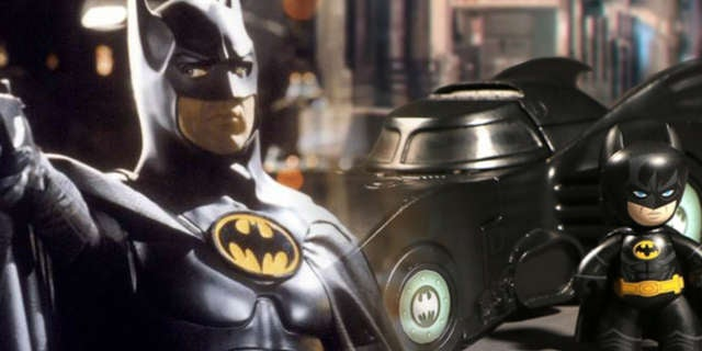 Batmobile-Mezco-Toys-Michael-Keaton