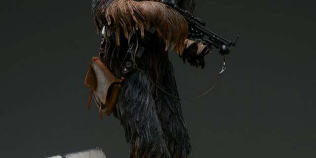 Chewbacca-Statue-by-Sideshow-005