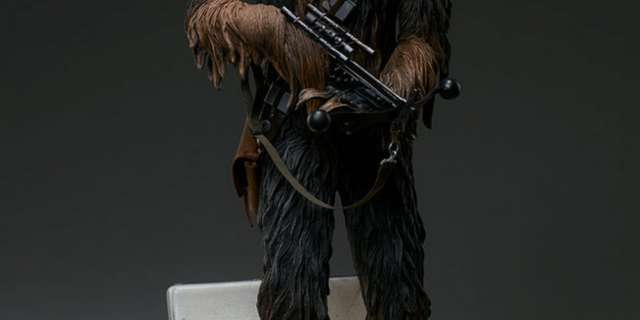 Chewbacca-Statue-by-Sideshow-009