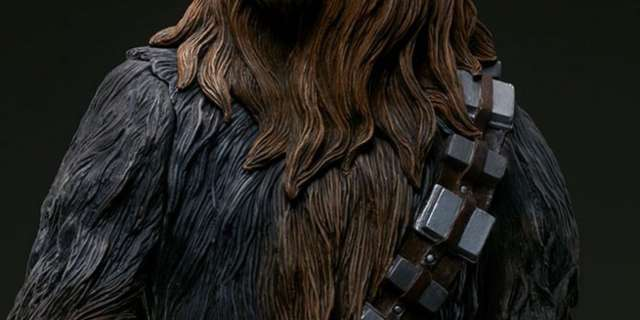 Chewbacca-Statue-by-Sideshow-010