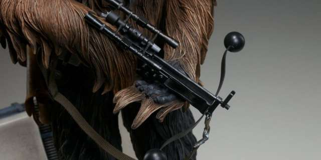 Chewbacca-Statue-by-Sideshow-012
