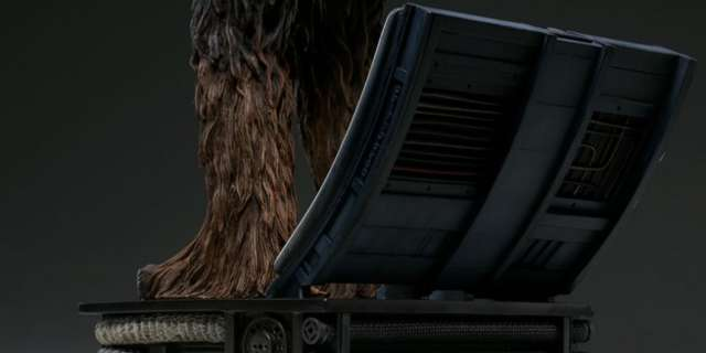 Chewbacca-Statue-by-Sideshow-014