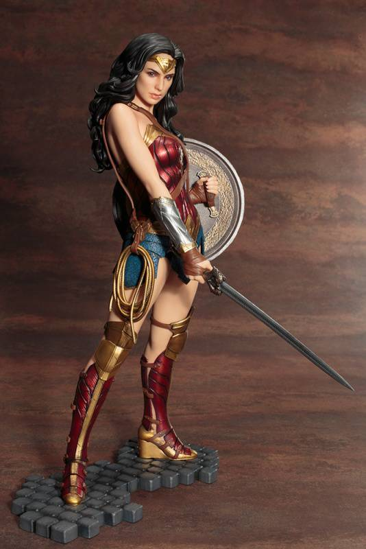 Kotobukiya-Wonder-Woman-Film-Statue-04