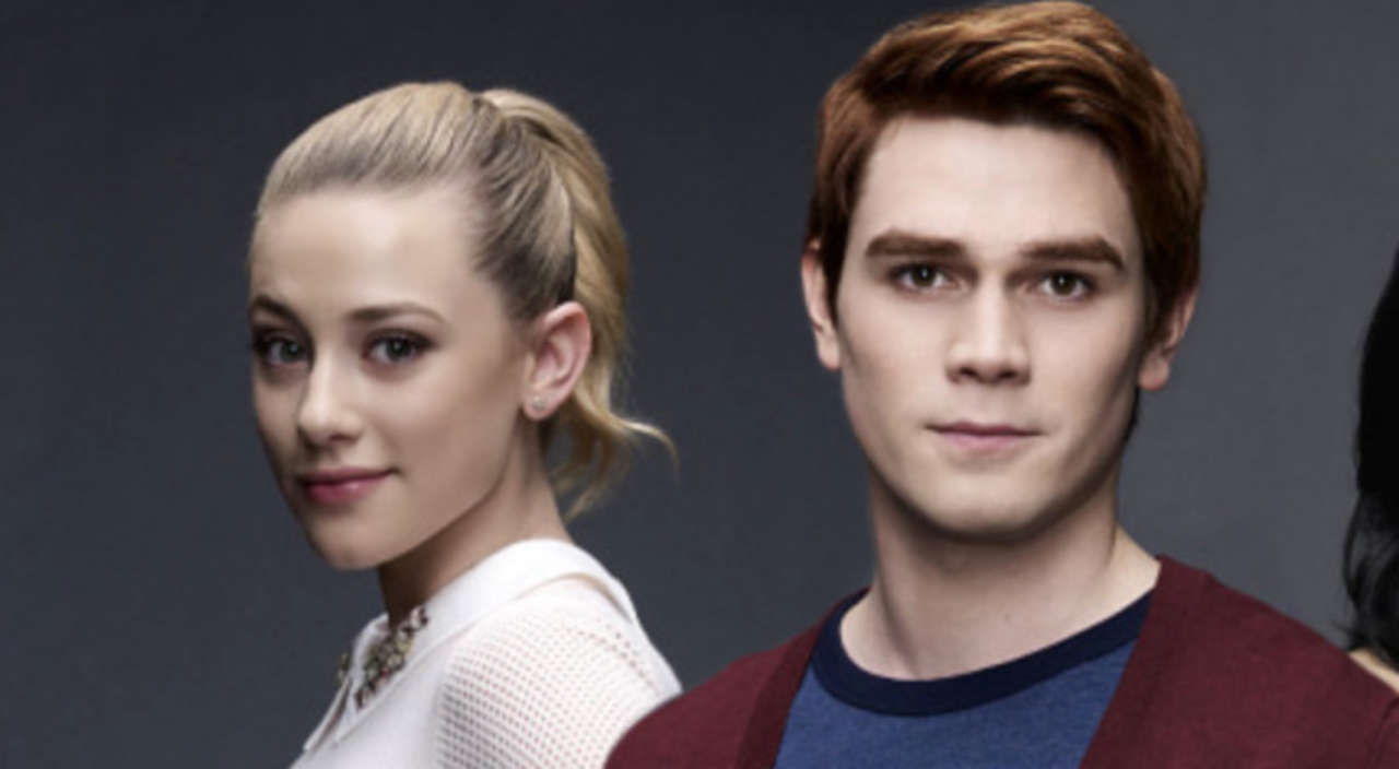 Riverdale Lili Reinhart On The Response To Betty And Archie S Kiss