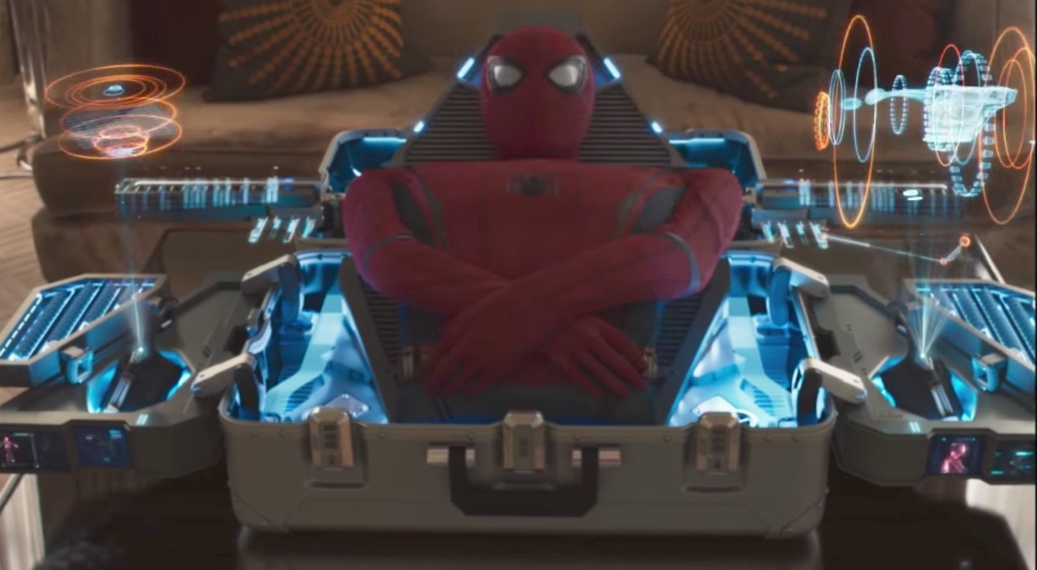 Spider Man Suit In New Homecoming International Trailer