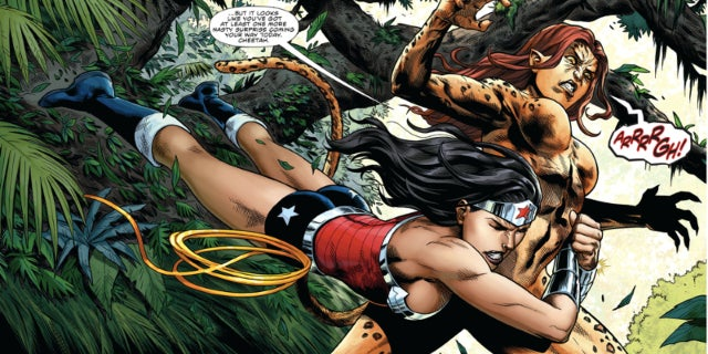 Wonder Woman vs Cheetah in Wonder Woman 2