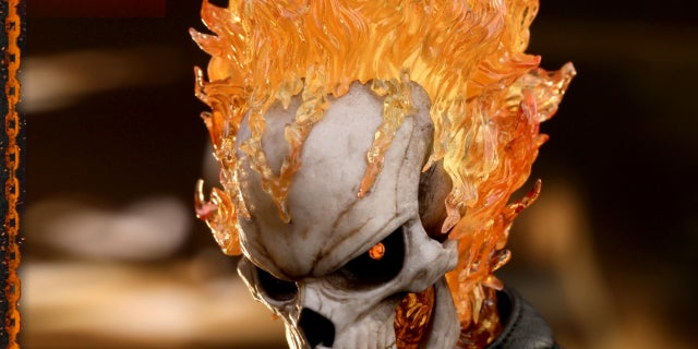 Hot Toys - AOS - Ghost Rider collectible figure_PR17