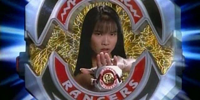 Power Rangers Includes A Tribute To The Original Yellow Ranger