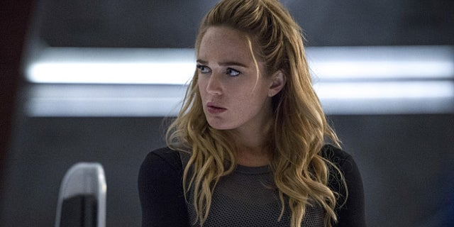 Caity Lotz Reveals What She Doesnt Like About Filming Arrowverse Sex Scenes-4644