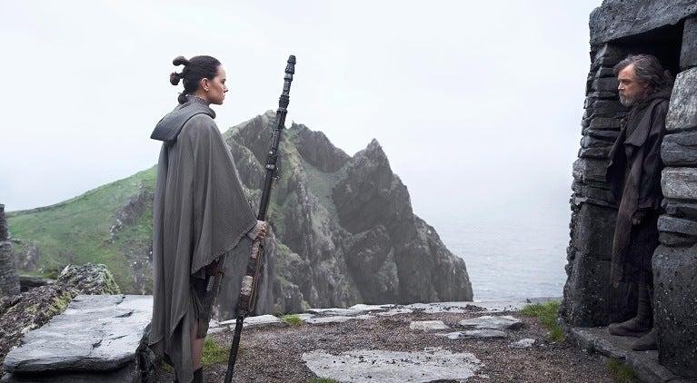 rey-luke-meet-star-wars-the-last-jedi