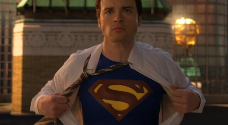 smallville-tom-welling-no-superman-costume