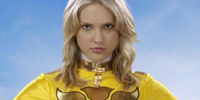 Ciara-Hanna-Power-Rangers-Megaforce