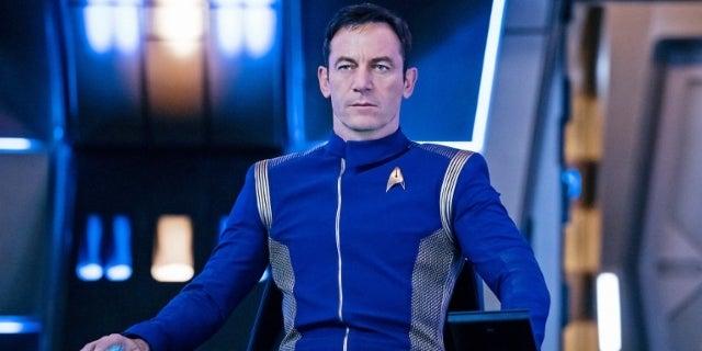 Jason isaacs captain lorca star trek discovery captain's chair