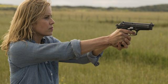 Kim Dickens as Madison Clark- Fear the Walking Dead _ Season 3, Episode 9 - Photo Credit Richard Foreman, JrAMC