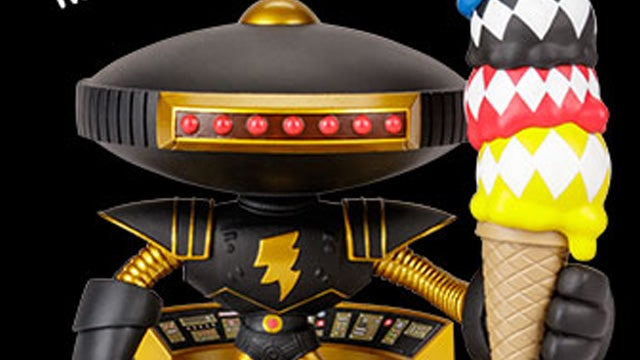 Loot-Crate-DX-Alpha-5-Power-Rangers