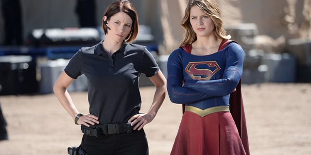 supergirl season 2 kara and alex