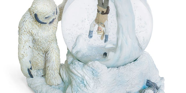 wampa_cave_snow_globe