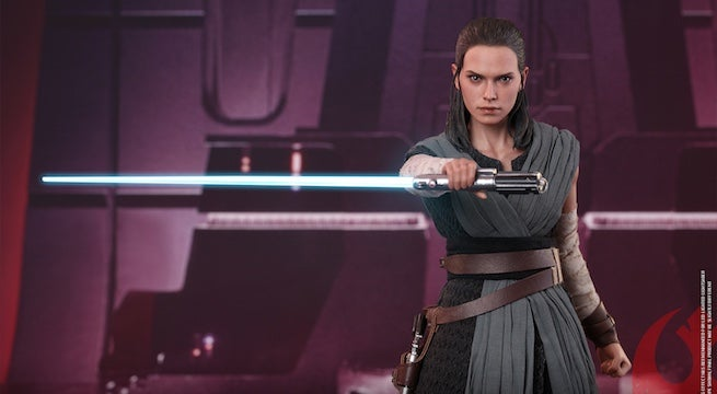 hot-toys-jedi-training-rey