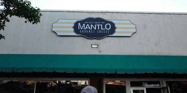 Mantlo-Cafe