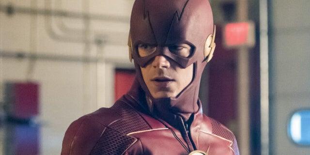 the flash 04x02 barry allen new suit