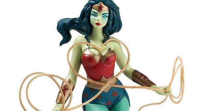 wonder-woman-mcpherson-figure-top