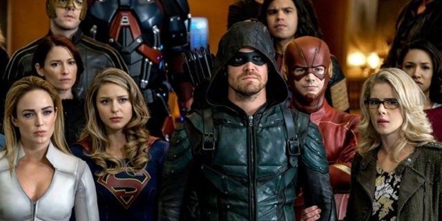 crisis-on-earth-x-promo-arrow-flash-supergirl-legends-of-tomorrow-crossover