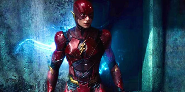 flashpoint-ezra-miller-flash-movie-justice-league