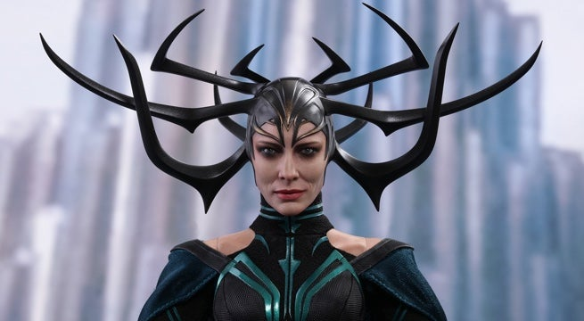 hot-toys-hela-figure