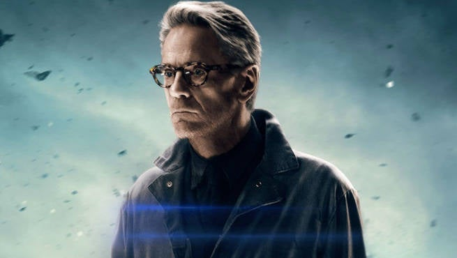 justice-league-alfred-jeremy-irons