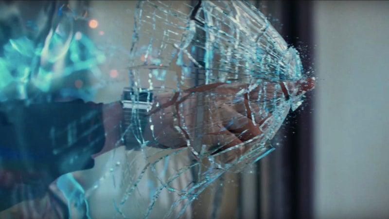Justice League Deleted Scenes - Flash Breaks Window